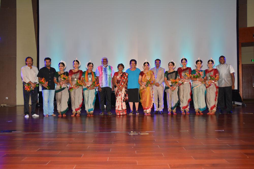 Gunjan-Dance-in-Port-Vila-big-3